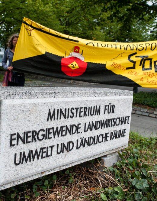 Protest vor dem Ministerium in Kiel
